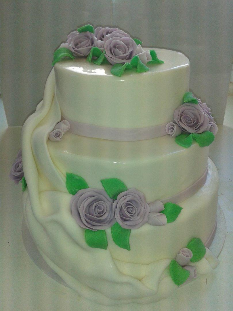 Bezaubernd Hochzeitstorte Lila Dekoration Von